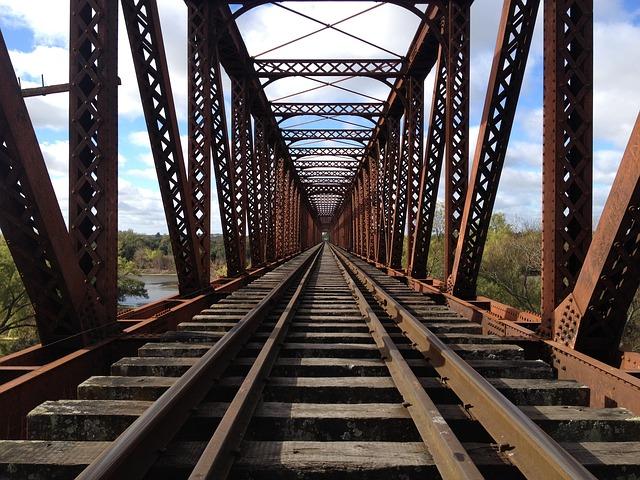 Vías ferrocarril - construcción - transporte